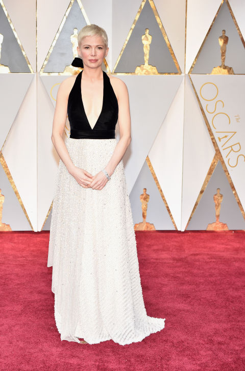 gallery-1488160988-michelle-williams-oscars-dress-louis-vuitton